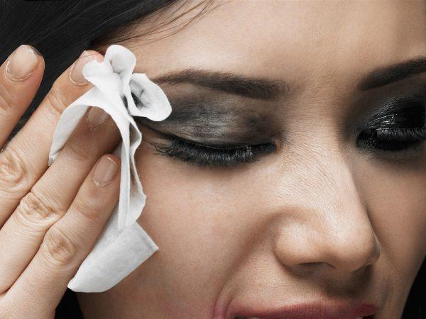 Lưu ý cần tránh để tẩy trang không làm lão hóa da