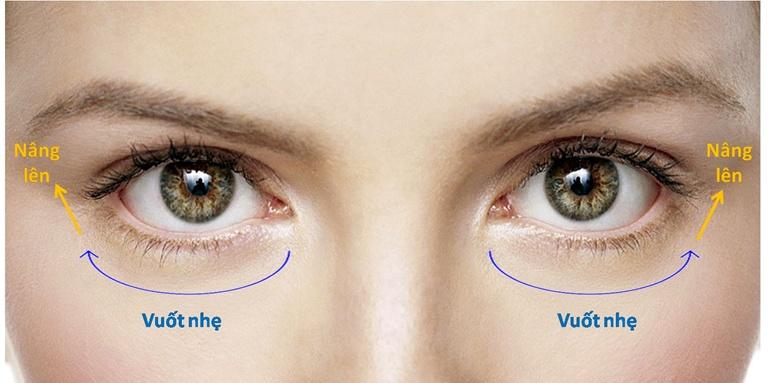 Sử dụng kem mắt chuẩn theo hướng dẫn của chuyên gia