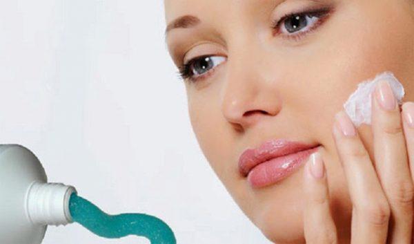 cách trị mụn đầu đen ở mũi